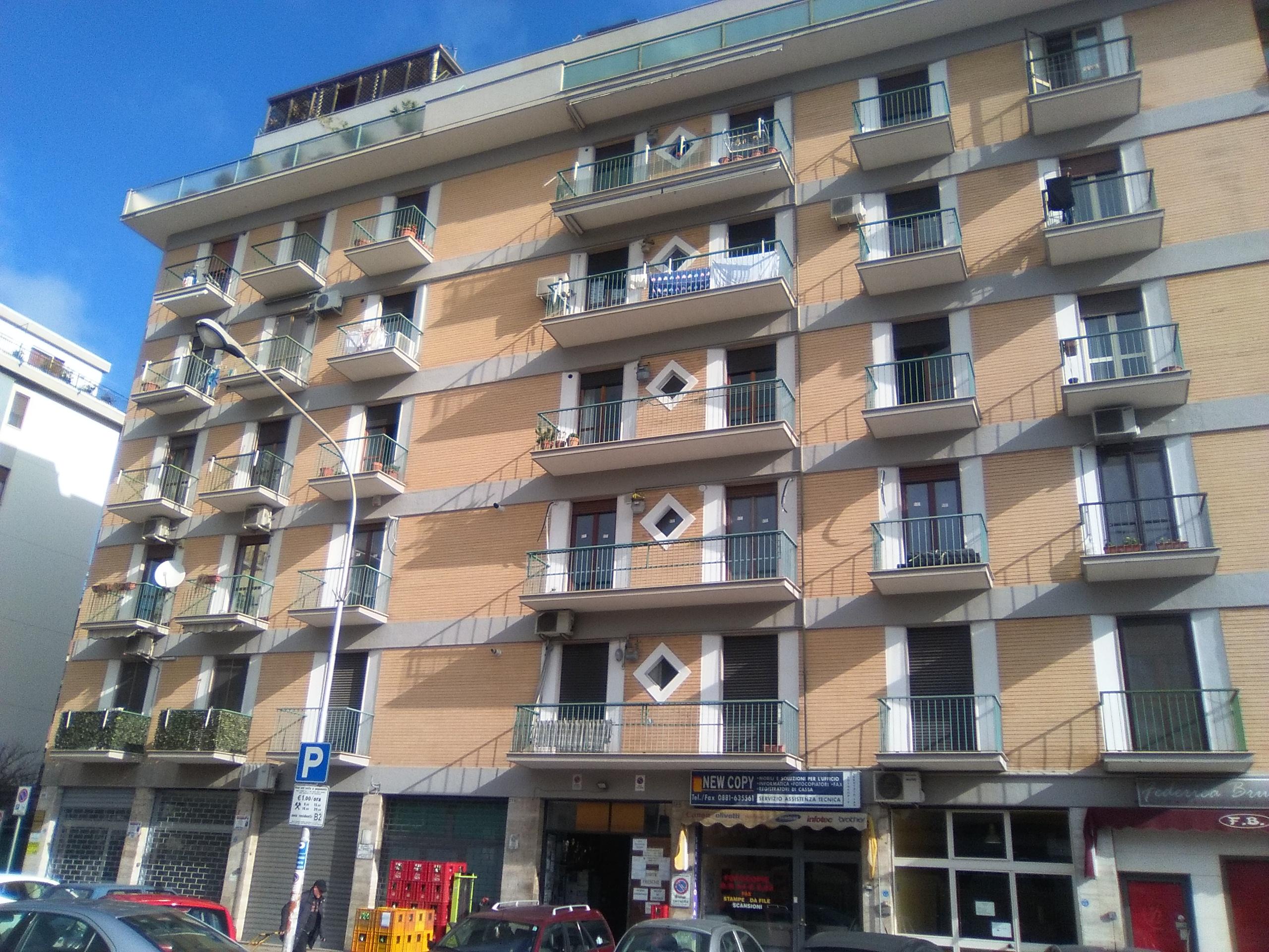 Foggia-Appartamento in Viale di Vittorio 4 vani accessori e Box