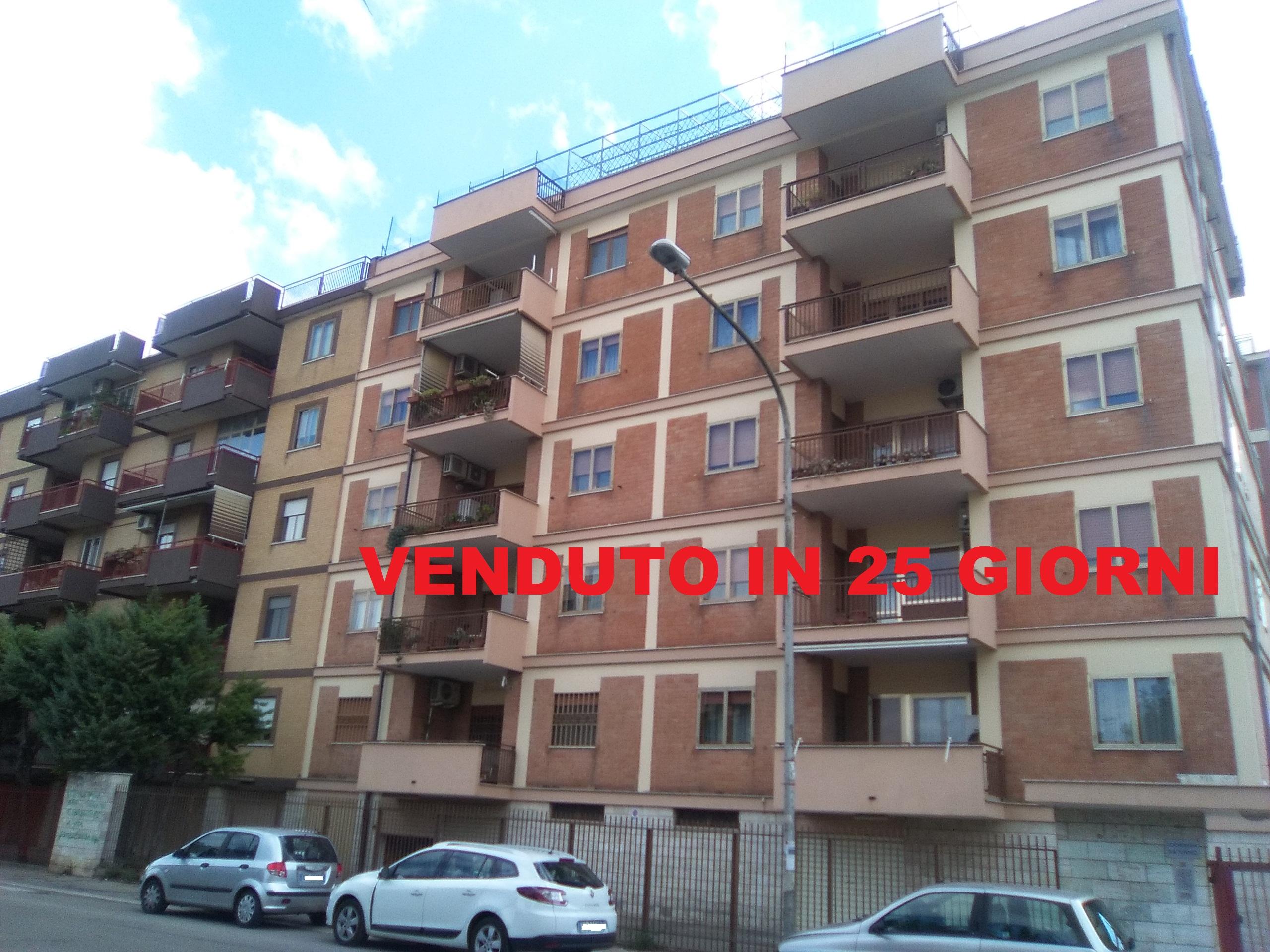 Foggia- Via L. Rovelli appartamento 5 vani doppi accessori e box