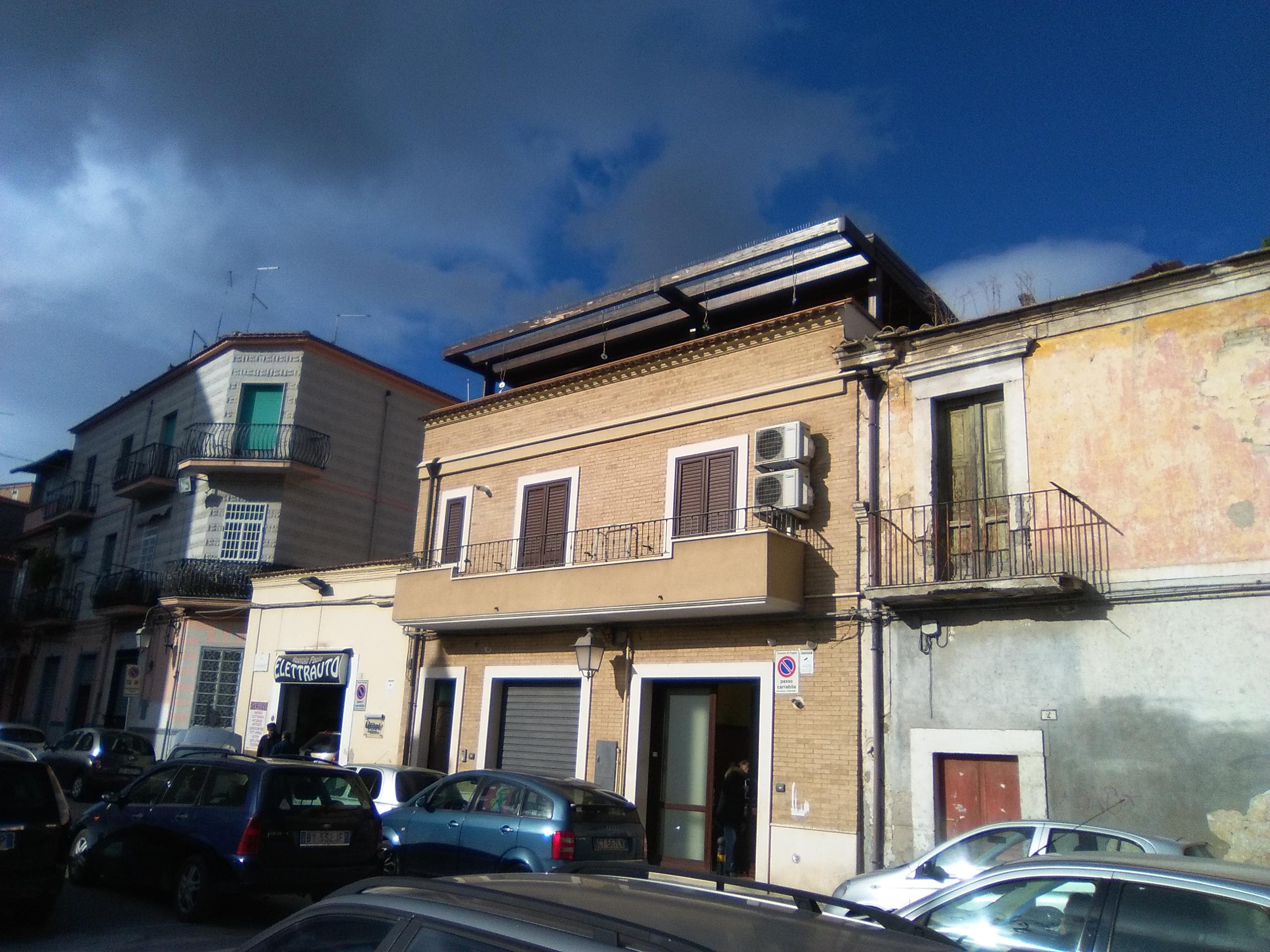 Foggia appartamenti in vendita-Via Manzoni appartamento con locali pianoterra