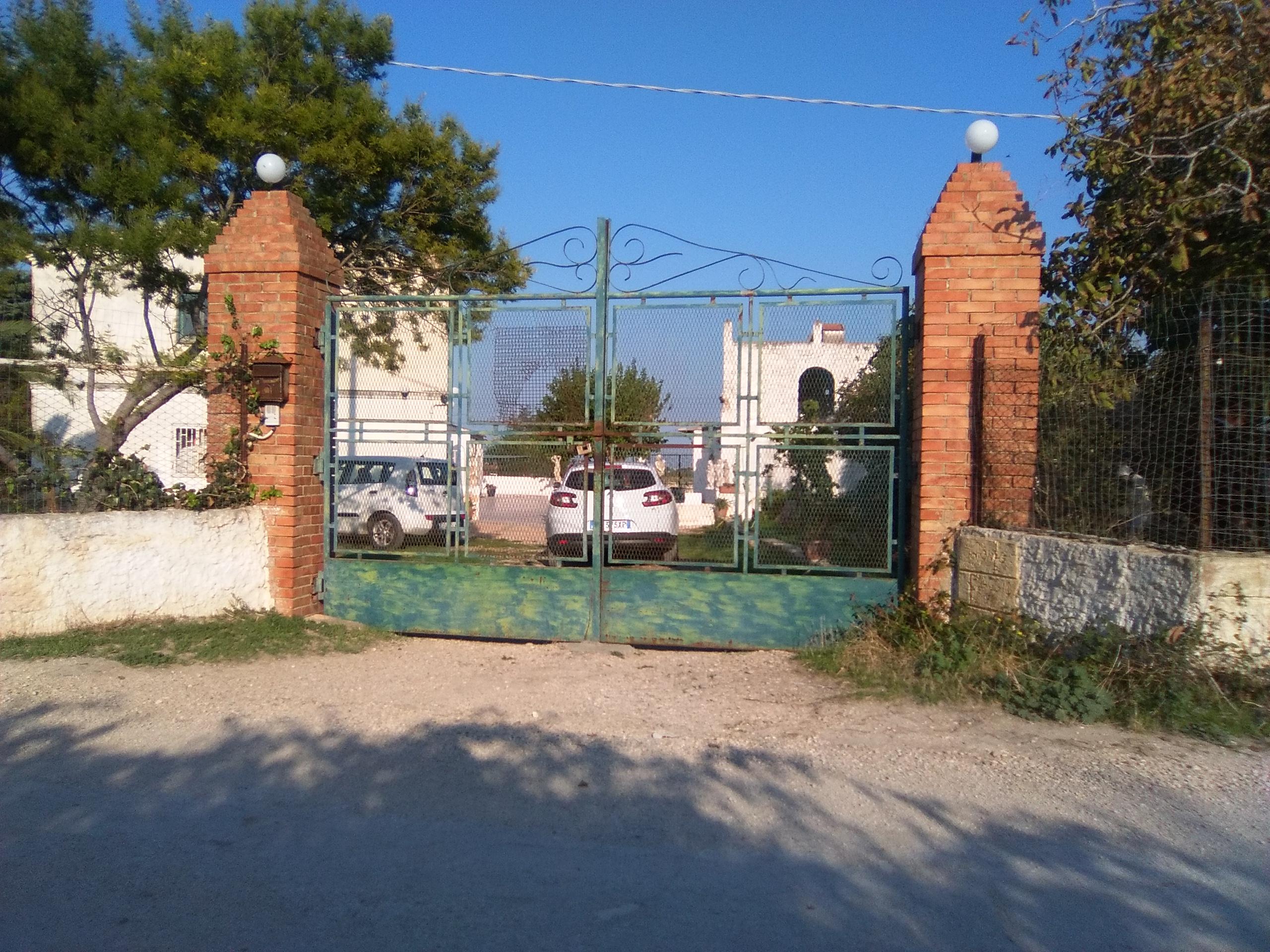 Corso torre Bianca fabbricati vari e terreno