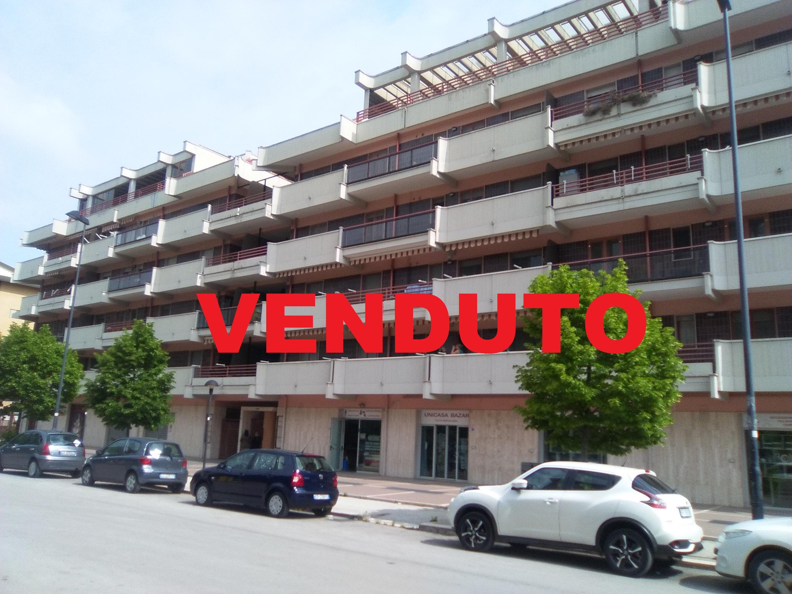 Appartamento a Foggia- Via Menichella- Zona Parco S. felice 3 vani doppi servizi e box