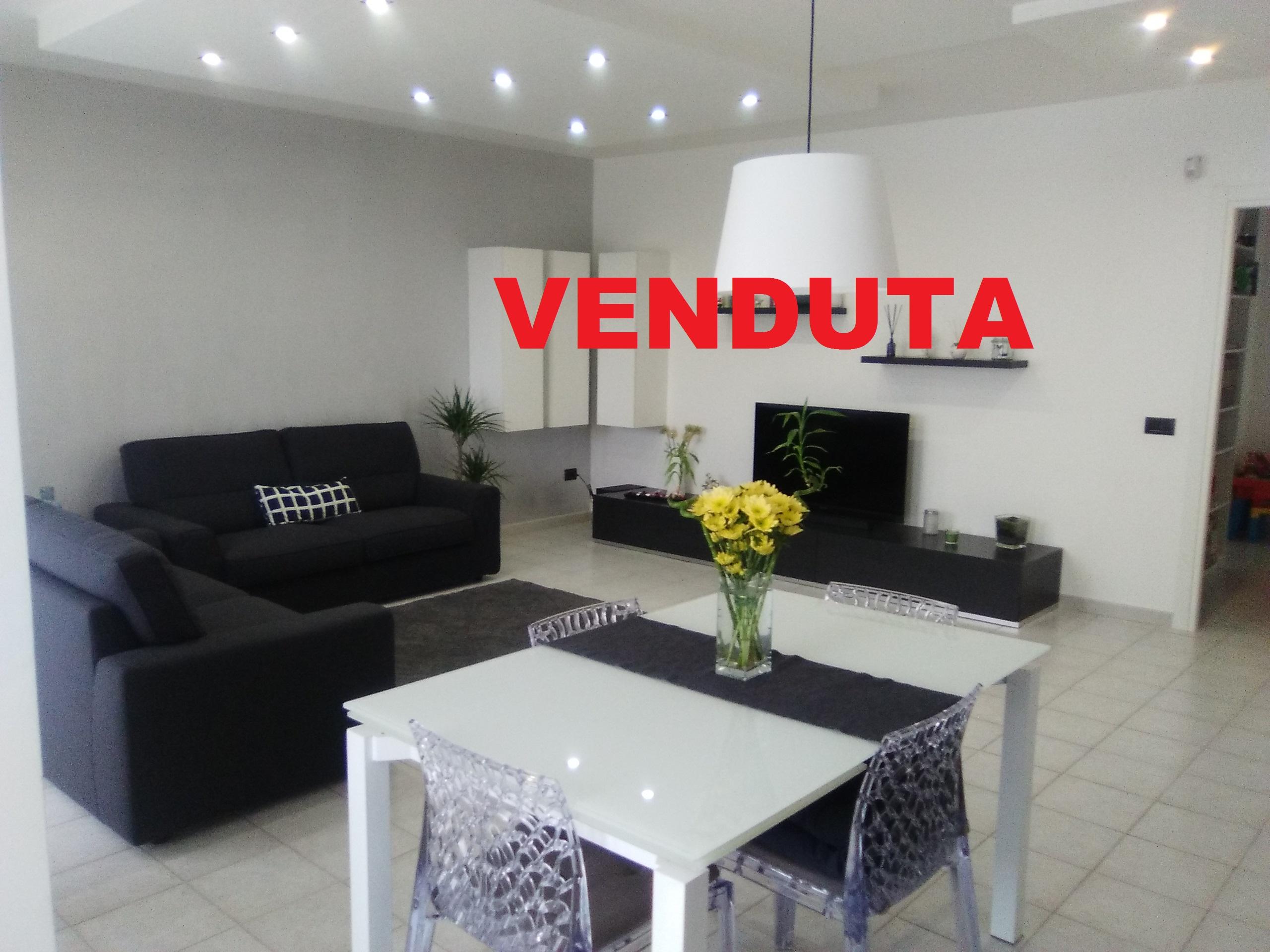Appartamento a Foggia-Zona Comparto Biccari 3 vani doppi servizi box