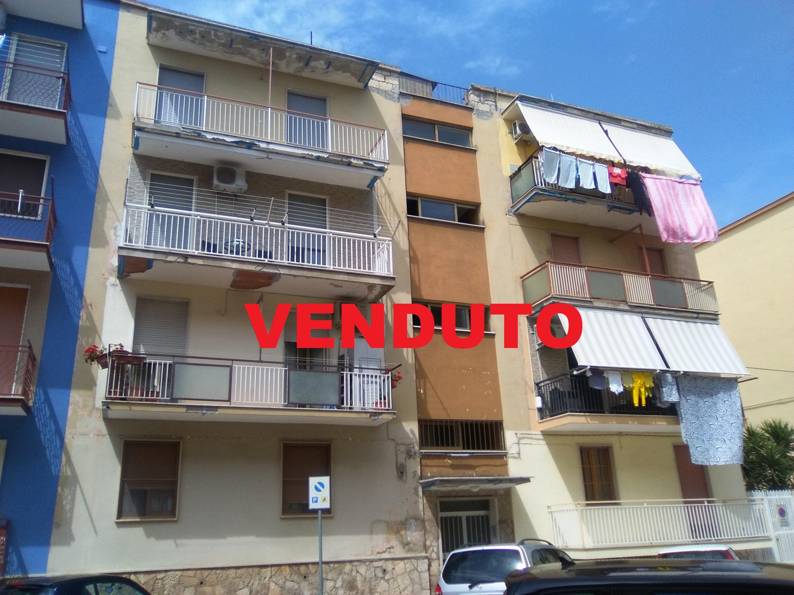 Appartamenti in vendita a Foggia- Via G. F. Valerio (Zona Candelaro) 3 vani accessori
