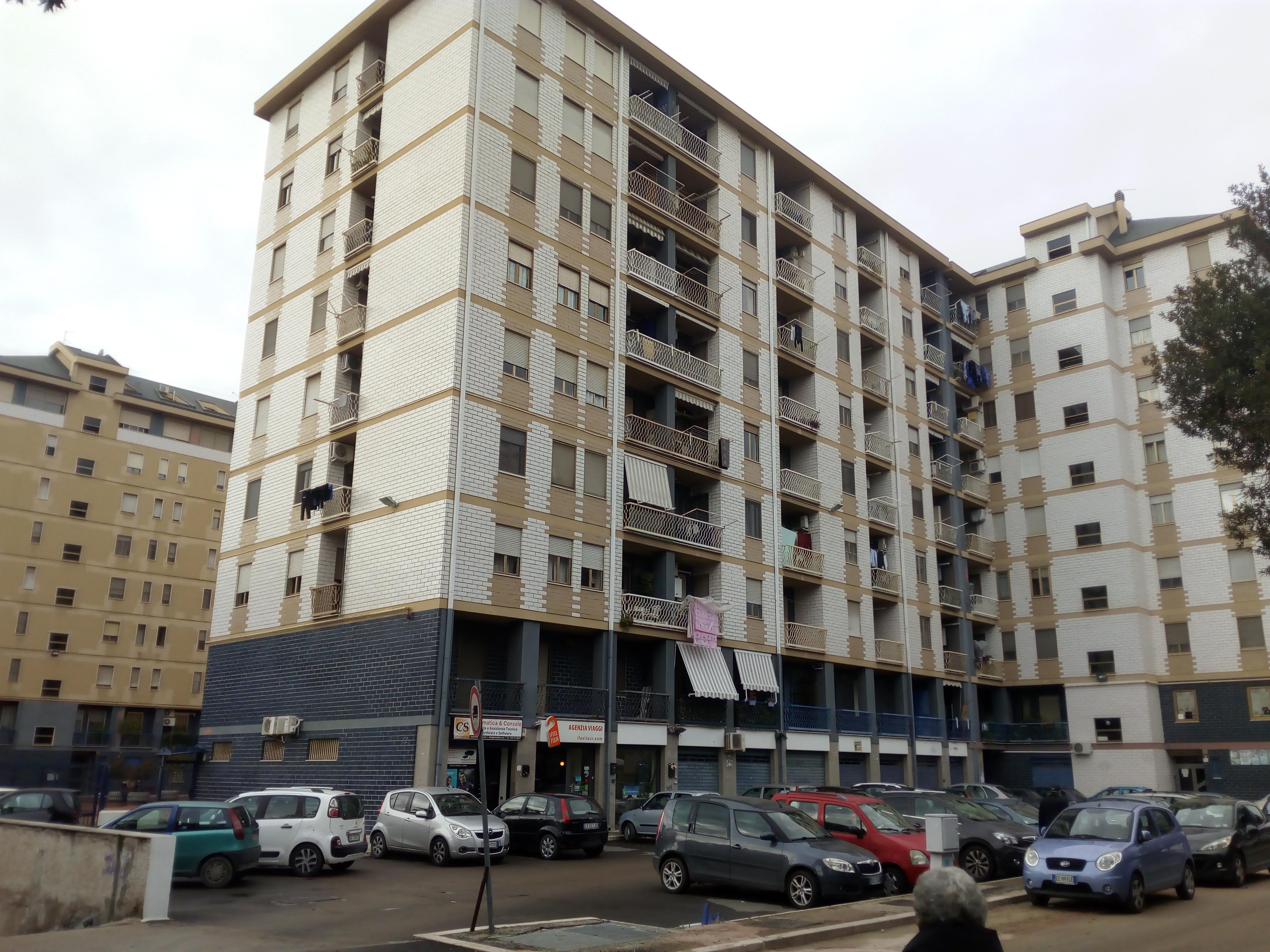 Appartamenti in vendita a Foggia-Via benedetto Croce appartamento mansardato di 3 vani accessori