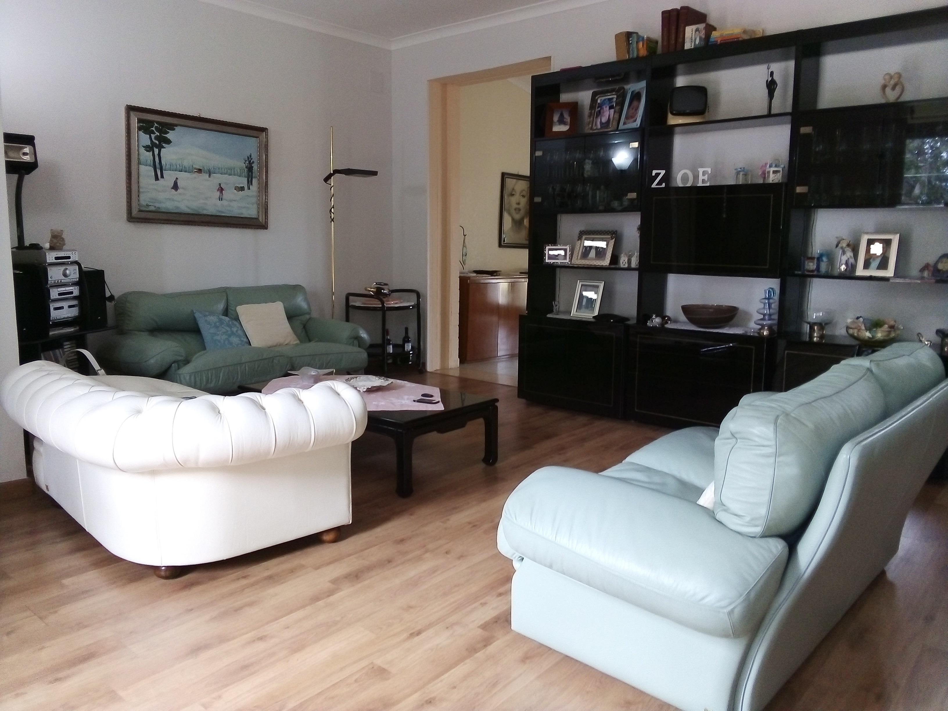 Appartamenti in vendita a Foggia- Via Gioberti 5 vani doppi accessori con terreno
