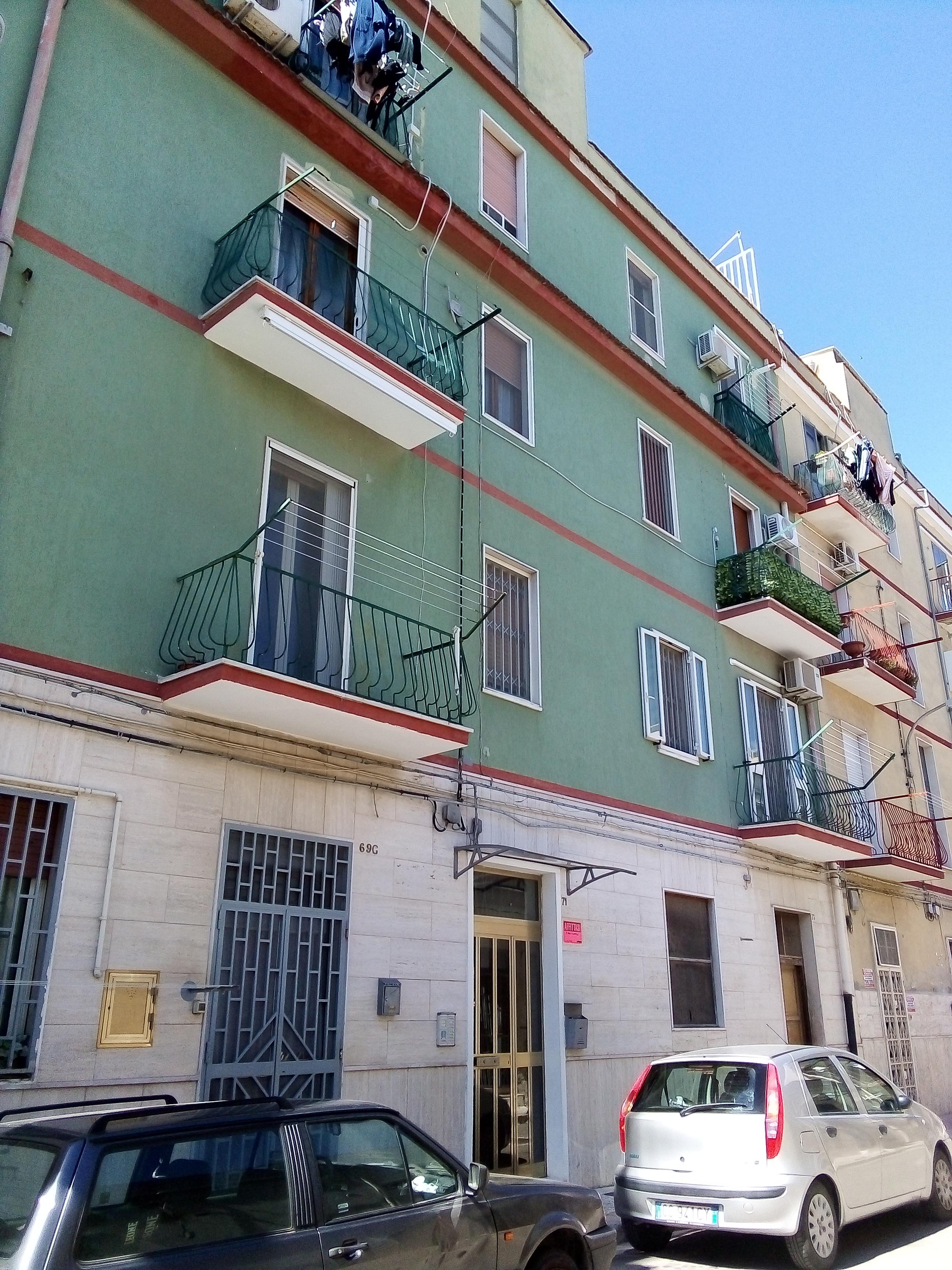 Attico in vendita a Foggia- In via Corona attico 3 vani accessori e terrazzo